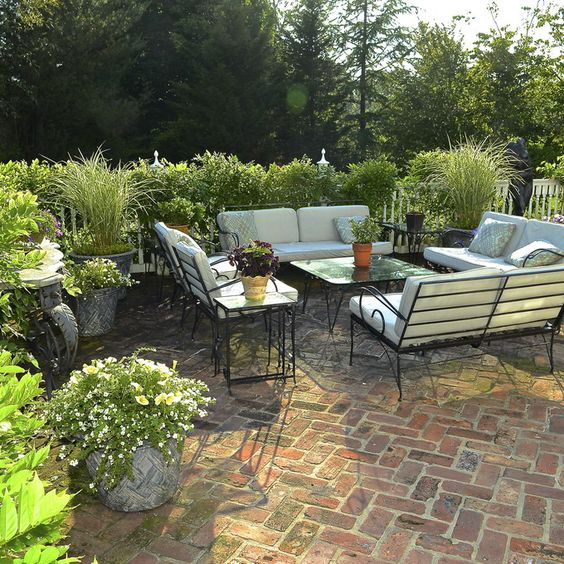 18 Brick Patio Ideas With Pros And Cons - Shelterness on Backyard Brick Patio id=41518