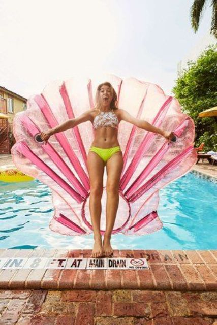 pink shell pool float to feel a mermaid