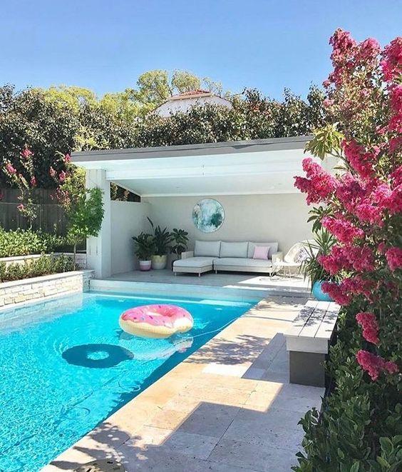 25 Stylish Pool Cabana Décor Ideas - Shelterness on Small Pool Cabana Ideas id=83877