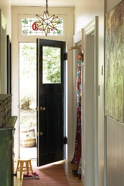 If you are looking for inexpensive bedroom decorating ideas, check out these great pieces for under $100. 25 Ideas To Use Black Interior Doors - Shelterness