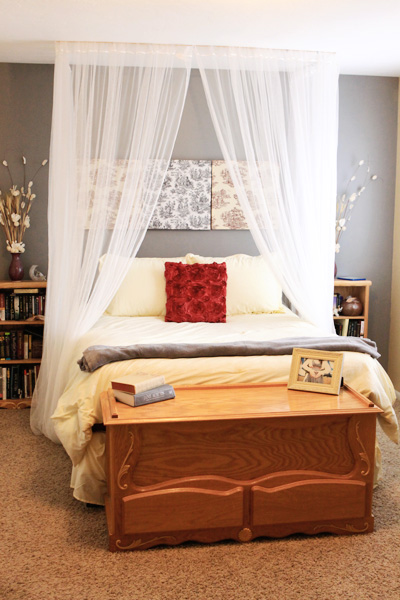 5 DIY Ceiling Mounted Bed Canopies Shelterness