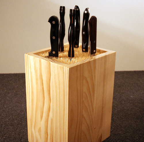 8 DIY Knife Racks And Holder To Make Your Kitchen Comfier