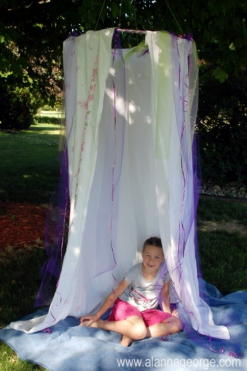 7 Easy And Cool DIY Kids Canopy Tents For Indoors