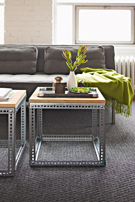 Great example of an industrial table design you can DIY