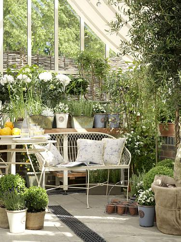 55 Small Urban Garden Design Ideas And Pictures - Shelterness on Small Urban Patio Ideas  id=37652