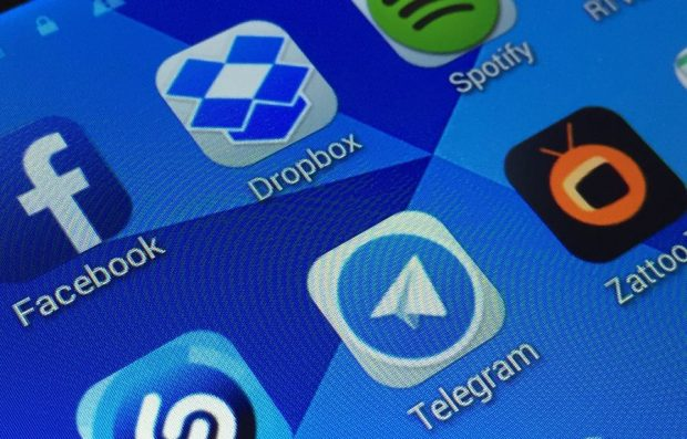 Роскомнадзор пригрозил заблокировать мессенджер Telegram в РФ