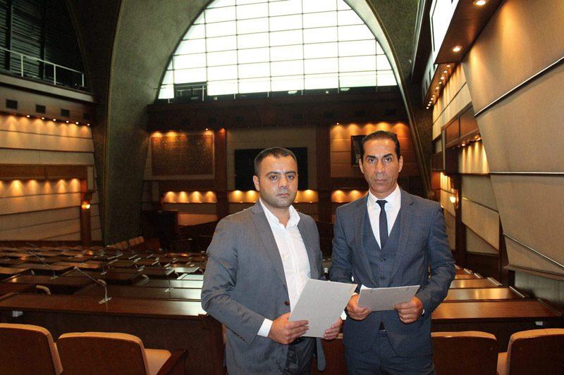 FOTO:DHA - CHP'li Meclis üyeleri Hüseyin Sağ ve Süleyman Nadir Ataman, İBB Başkanı Kadir Topbaş hakkında savcılığa suç duyurusunda bulundular.