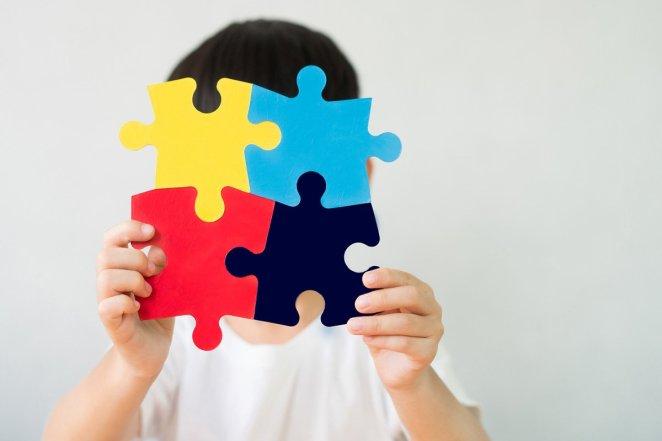 Otizm çocuklarda nasıl ayrım edilir 18