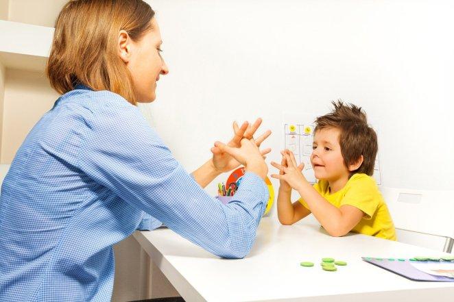 Otizm çocuklarda nasıl ayrım edilir 17