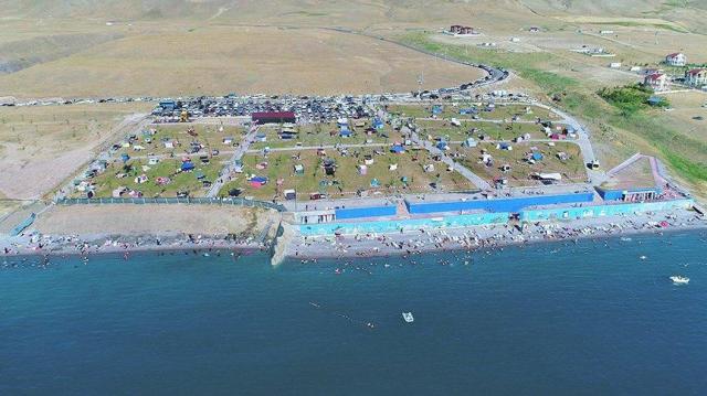 Denizi yok ama plajı mavi bayraklı