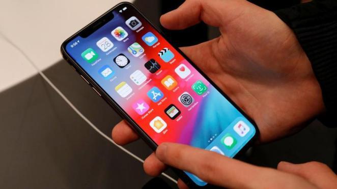 Apple ofislere geri dönüş tarihini erteledi