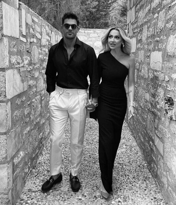 Hadise sevgilisi Mehmet Dinçerle ile ilk pozunu paylaştı