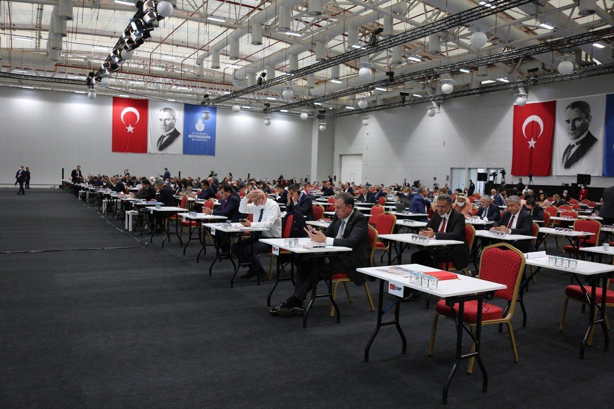 İBB Meclisi'nde yurt tartışması! CHP'den AKP'ye sert yanıt