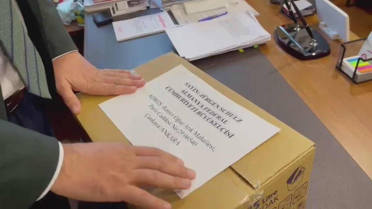 CHP milletvekilinden Almanya'ya yardım kolisi