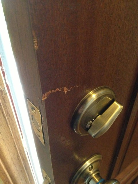 Deadbolt How Can I Repair This Door And Deadlock Home