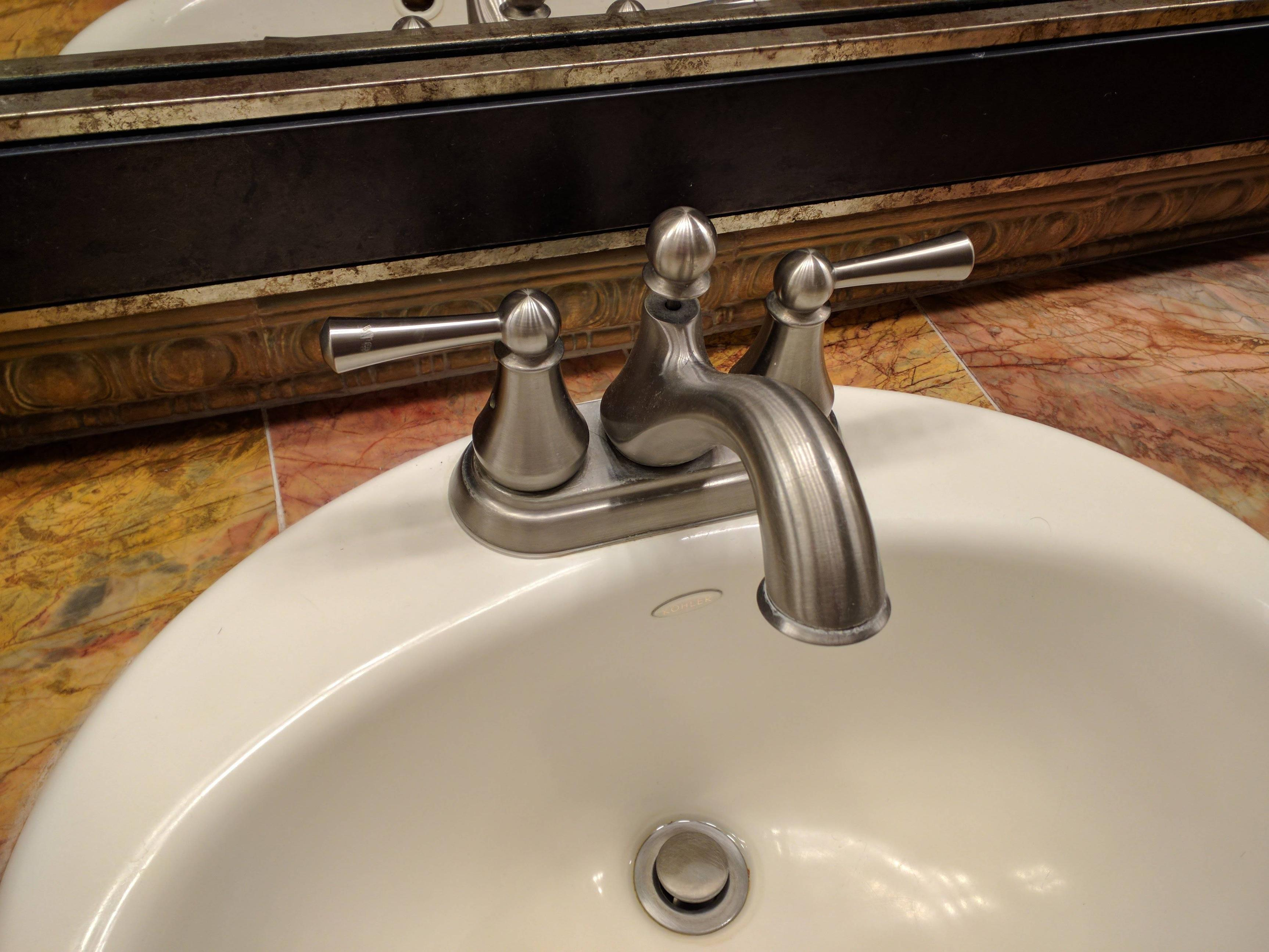 replace this recessed faucet aerator