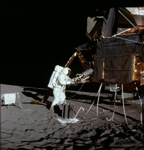 apollo program Why does the side of the LEM look almost