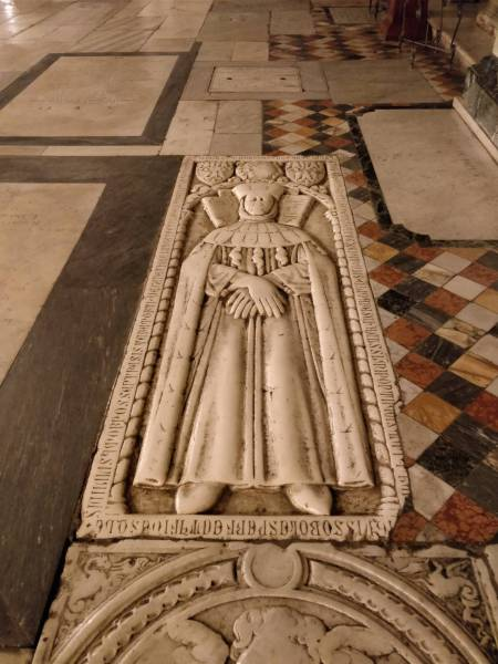 catholic church   Tombstone covered floor in Churches   History     tombstone