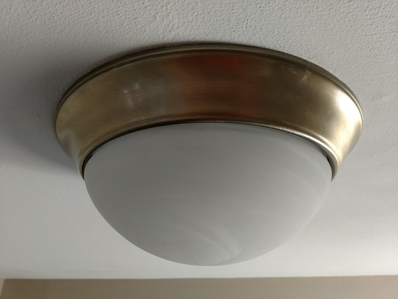 how to remove this light globe home
