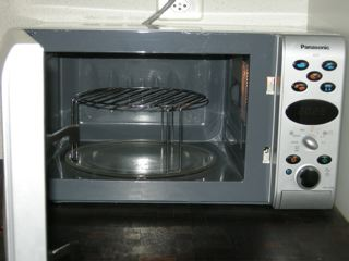 bake chips in microwave using grill