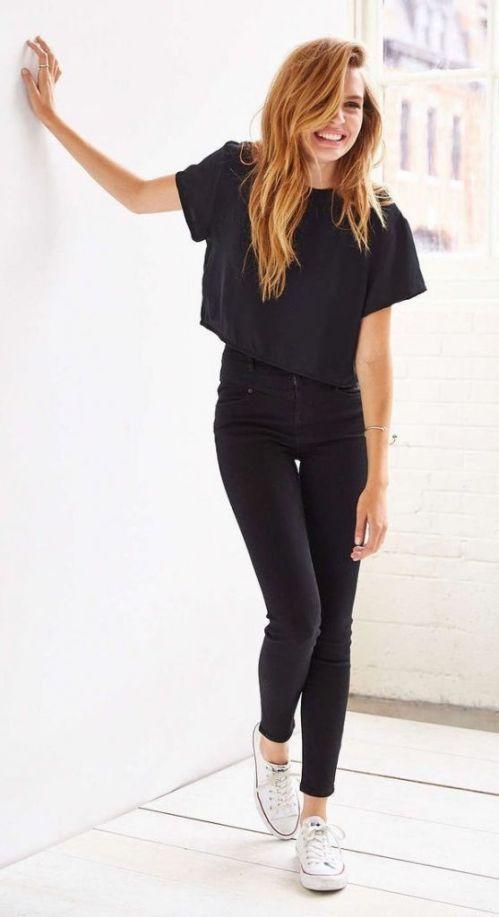 Resultado de imagem para crop t shirt outfit jeans