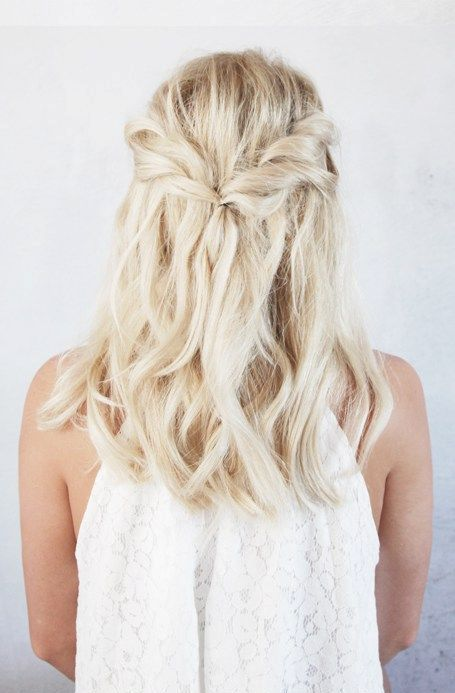 15 Flirty And Chic Christmas Half Updos Styleoholic