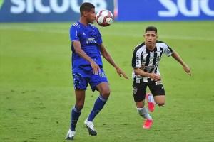 Adriano reforça Cruzeiro em jogo decisivo e recebe elogios de Rmulo
