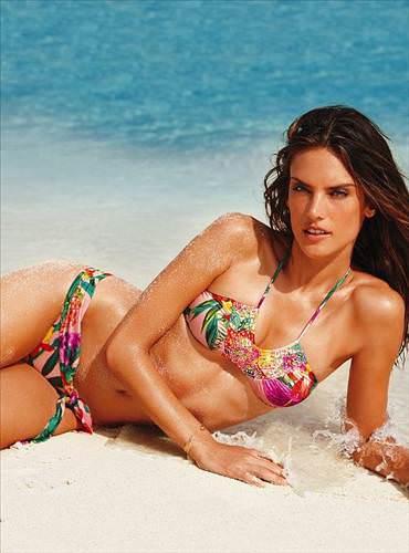 2012 Victoria's Secret bikini modelleri
