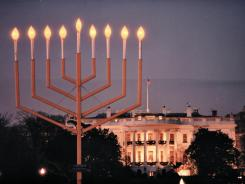 https://i1.wp.com/i.usatoday.net/yourlife/_photos/2011/12/15/Hanukkah-celebrates-tradition-C6NAUJT-x.jpg