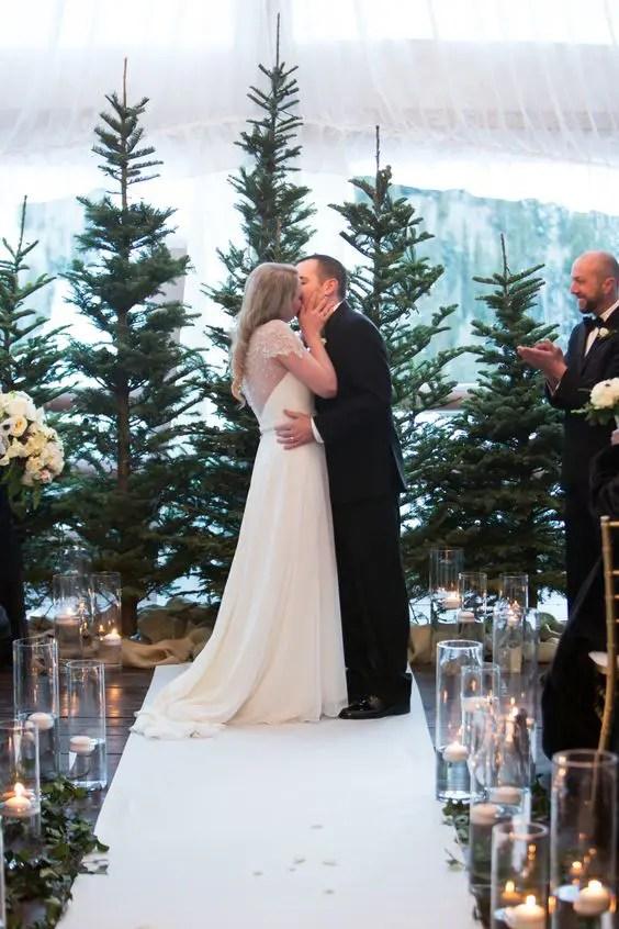 44 Cozy Winter Woodland Wedding Ideas Weddingomania