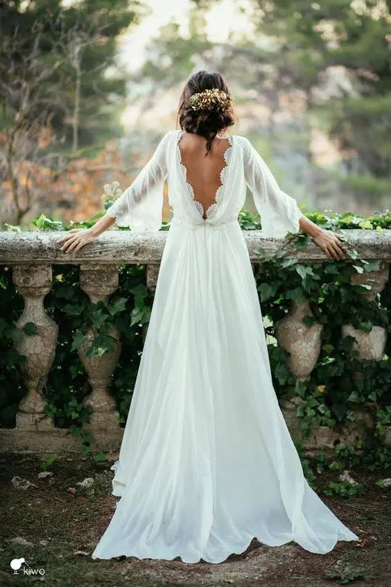bridal picture in her dress from the back