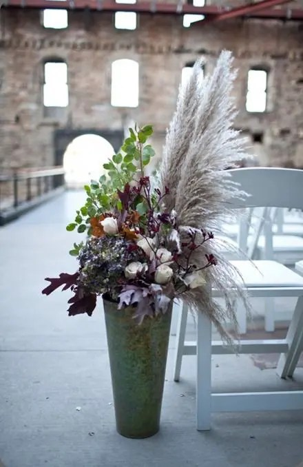 42 Ways To Use Pampas Grass At Your Wedding Weddingomania