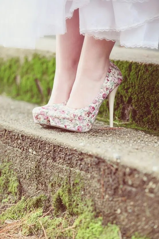 rose floral platform heels look very cute