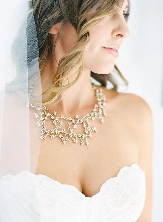 pretty and intricate floral necklace for a romantic bride