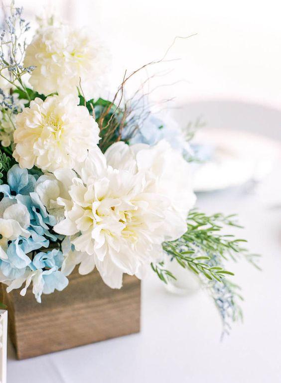 Sensational 26 Refreshing Spring Wedding Centerpieces Crazyforus Interior Design Ideas Helimdqseriescom