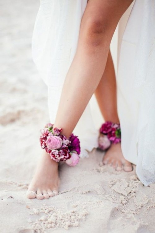 a lush fresh bloom anklet is ideal for a beach bride or just for a boho bride
