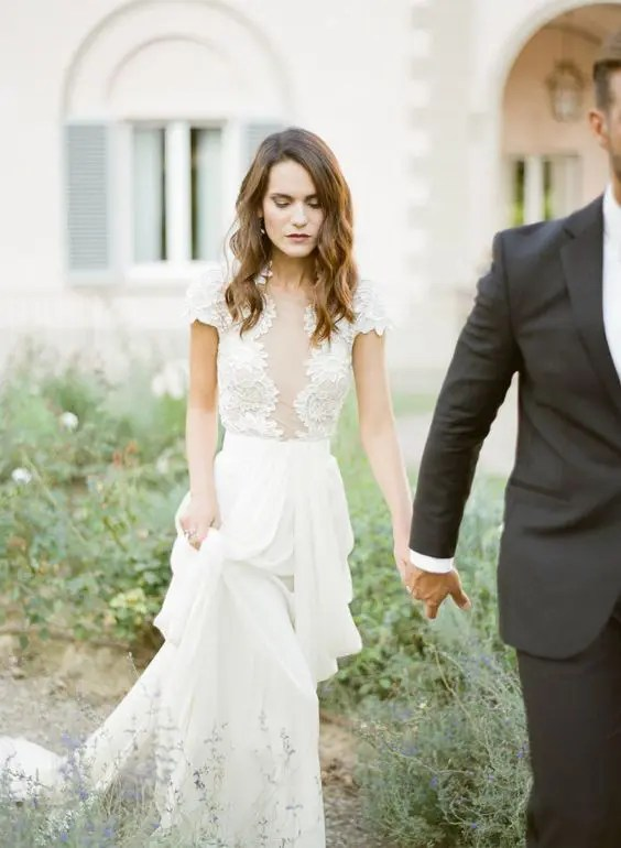 25 Wedding Dresses With A Lace Bodice And A Plain Skirt
