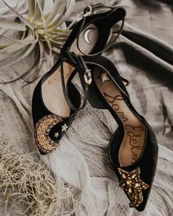 10+ Chic Black Wedding Shoes