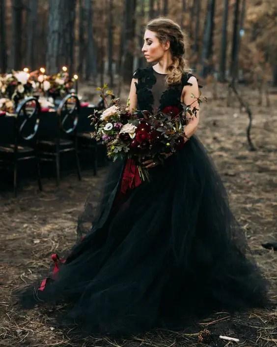 25 Show-Stopping Burgundy And Black Wedding Ideas - crazyforus