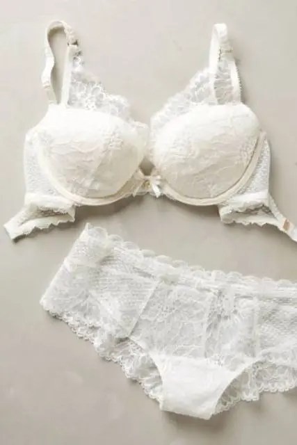 a white lace lingerie set with a refined feel is a timeless idea for every bride