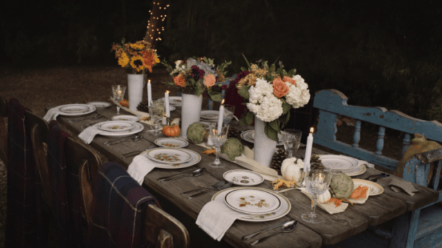 DIY fall harvest table runner (via bouqs.com)