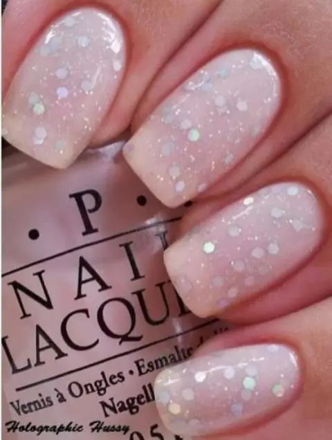 snow-inspired manicure is a chic and glam idea for winter, especially if you miss snow and wanna incorporate it