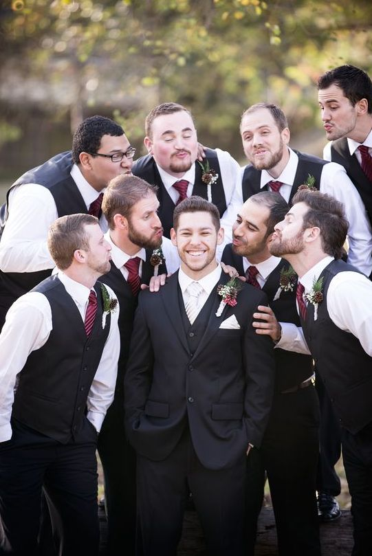 groomsmen imitating traditional photos with bridesmaids is a very fun idea, cheers to girls