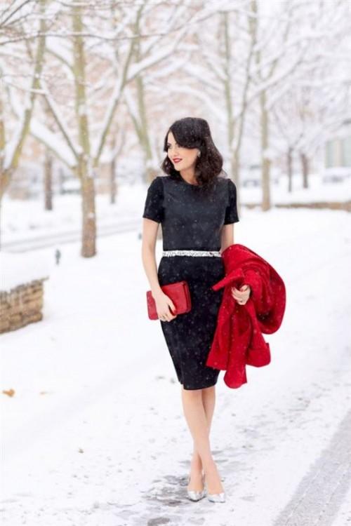 Beautiful Winter Wedding Guest Style Idea