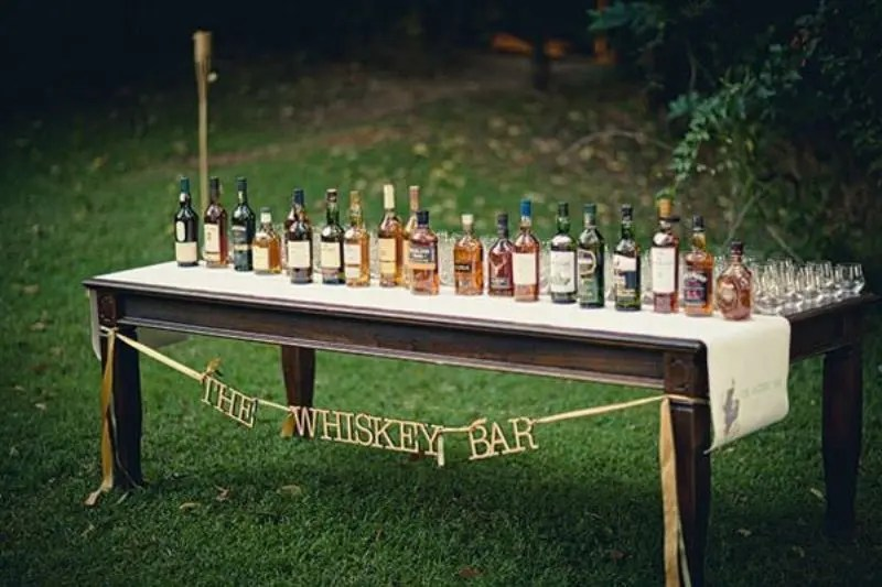 Picture Of Creative Wedding Drinks Bar Design Ideas 7