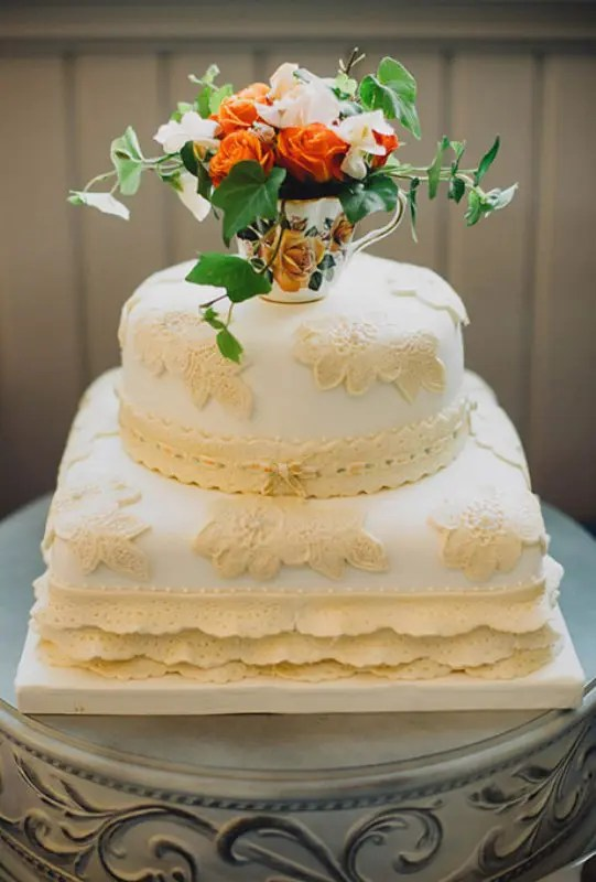 Picture Of Chic Vintage Style Wedding Cakes With An Old