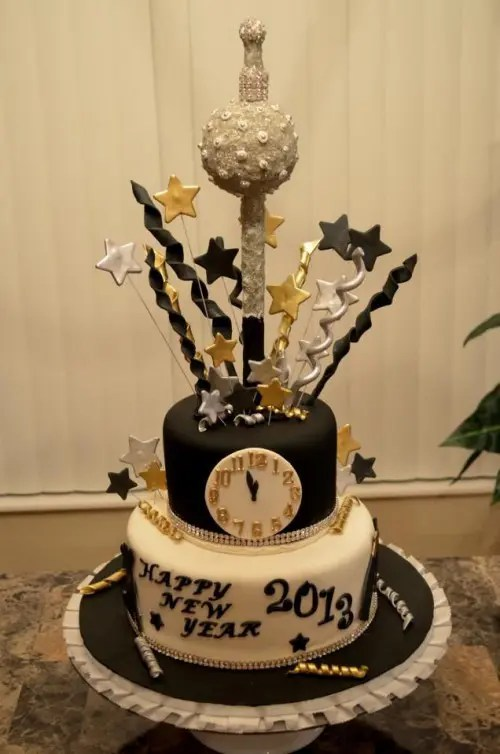 31 Sparkling New Year Wedding Cakes And Desserts