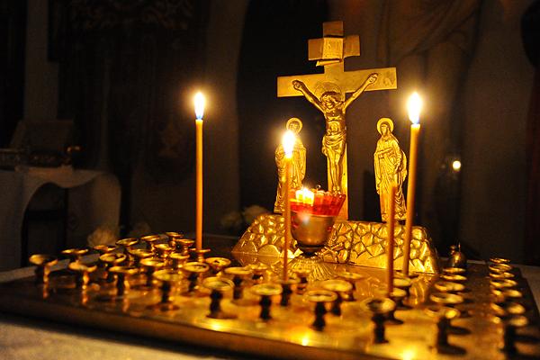Rezurekcją katolicy rozpoczęli obchody świąt wielkanocnych