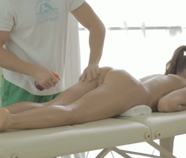 Thirsting Massage Man Investigates Fresh Pussy Of Shy Brunette Girlie In Massage Parlor