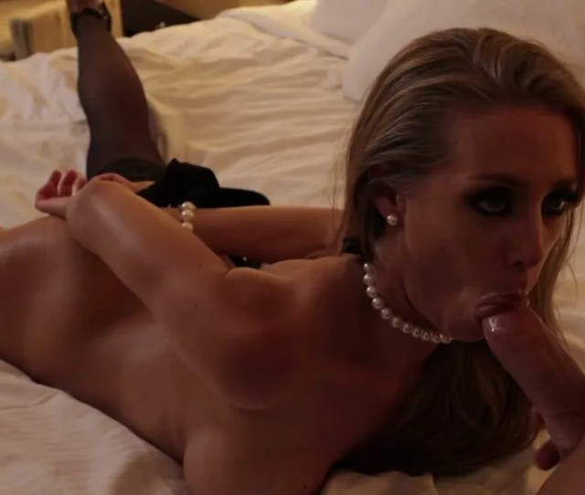 Teasing Fuck Doll With Bound Arms Nicole Aniston Gives Solid Bj To Her Boss